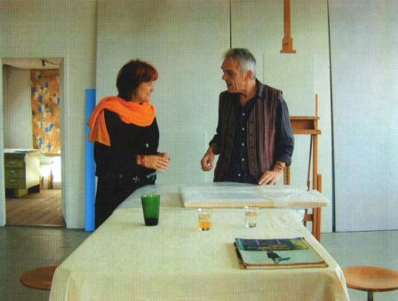 Daan van Golden en Marion Busch in het atelier van Daan van Golden